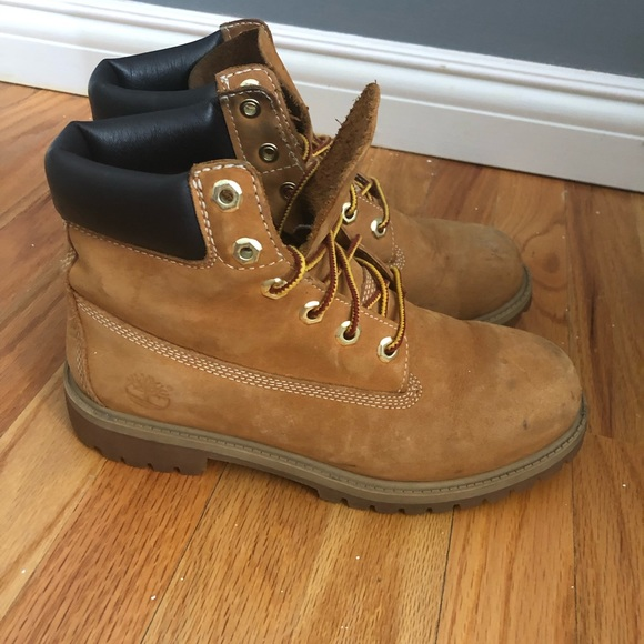 d0674e282eb Timberland Classic Boot Nubuck Youth 5.5/Womens 7